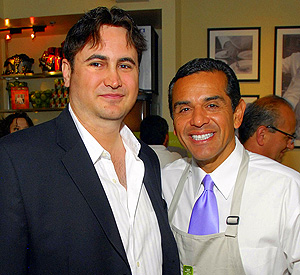 David Kean with Mayor Antonio Villaraigrosa